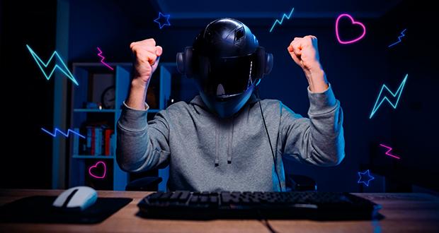 Helmet Guy streamer celebrates win